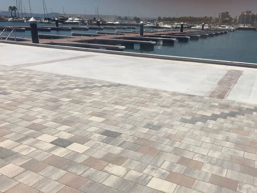 PAVEMENTS FOR THE NAUTICAL CLUB OF ESTARTIT